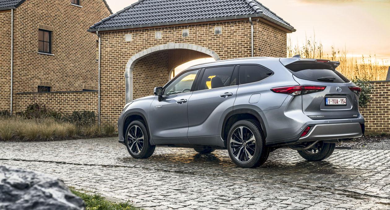 Гибридный кроссовер Toyota Highlander «едет» в Европу - Журнал Движок.