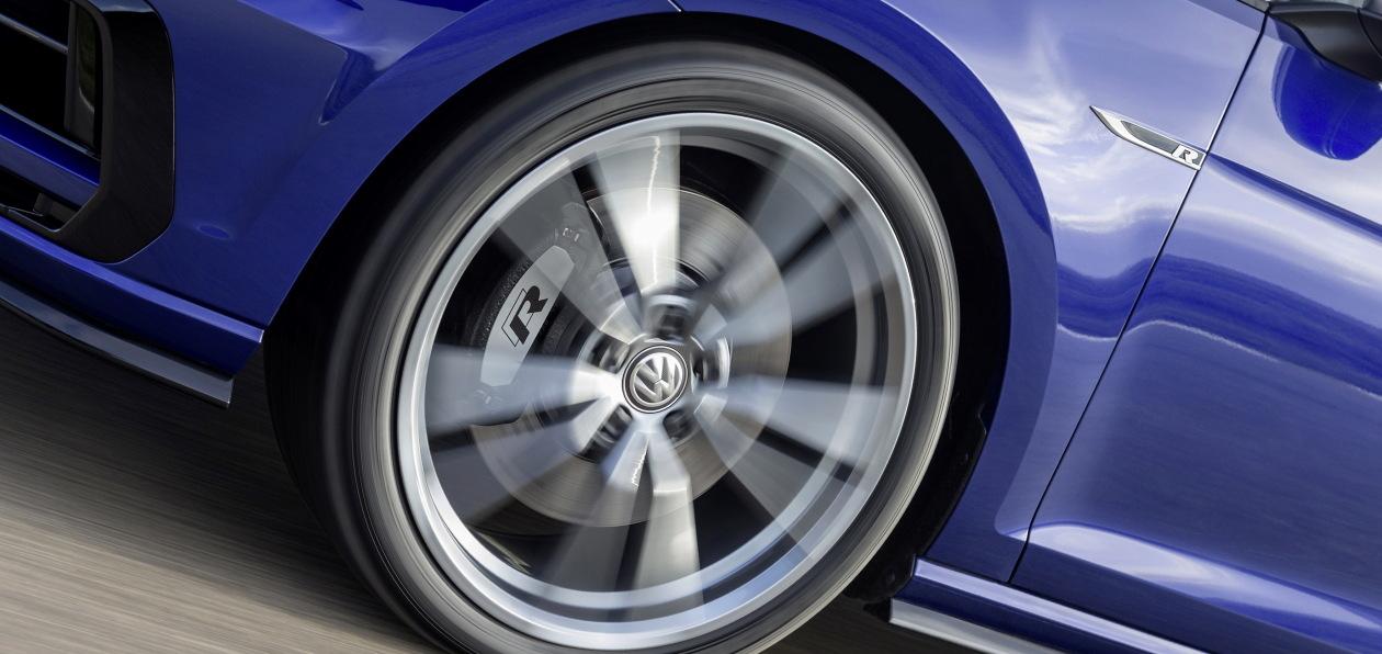 Volkswagen готовит к премьере новый Golf R