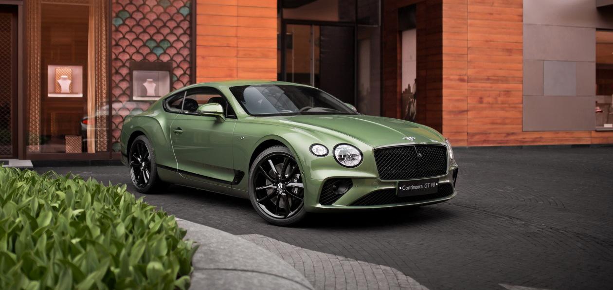 Новый Bentley Continental GT V8 доставлен первым российским покупателям