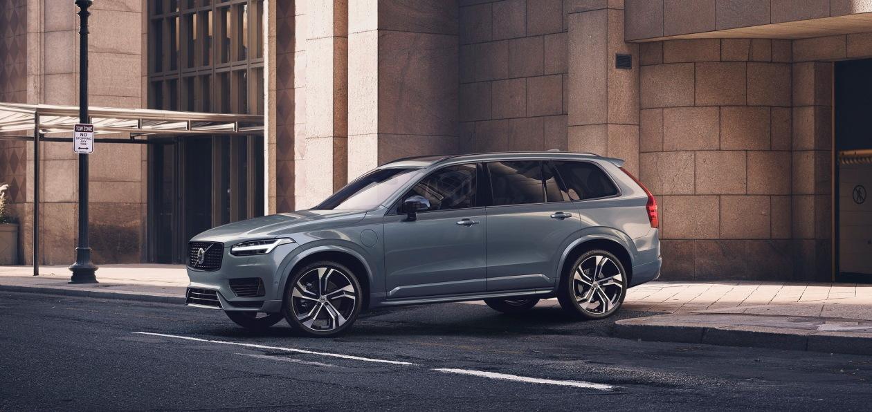 Volvo представила в России бренд Recharge