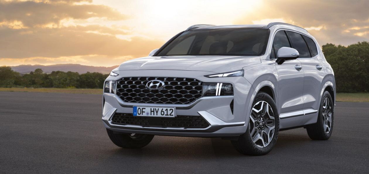 Hyundai показал, как будет выглядеть обновленный Santa Fe