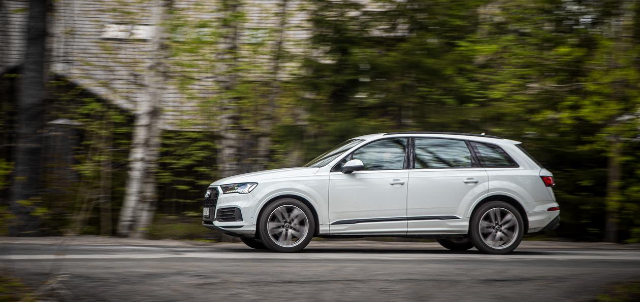 Тест-драйв обновленного Audi Q7: антикризисный премиум-класс