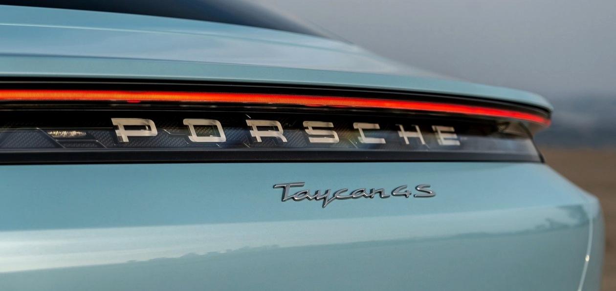 Porsche готовит Taycan универсал