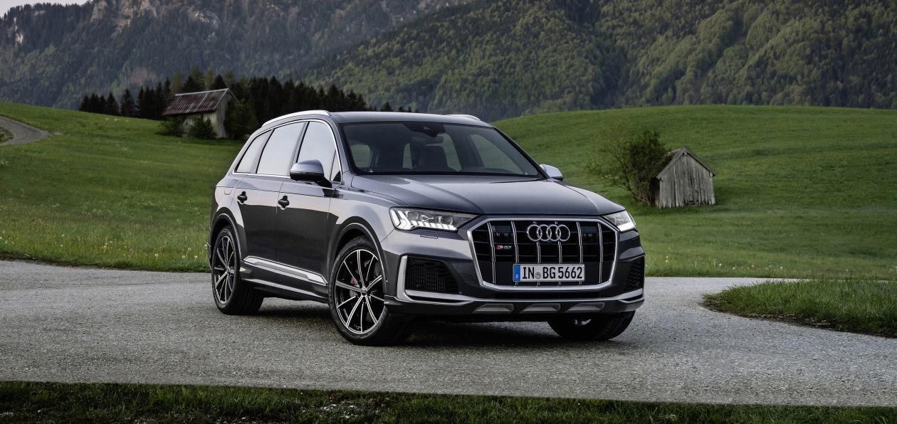 Кроссоверы Audi SQ7 и SQ8 получили новый бензиновый двигатель