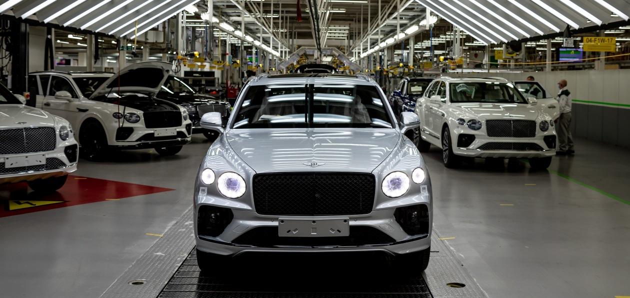 Новый Bentley Bentayga встал на конвейер