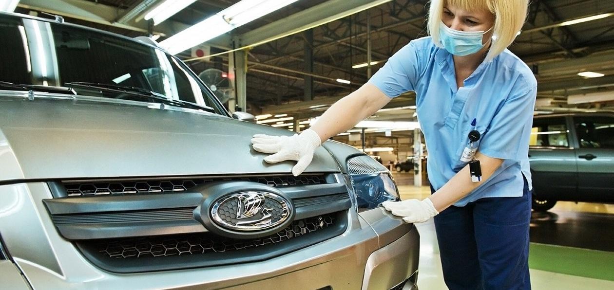 Внедорожник Chevrolet Niva официально стал автомобилем марки Lada