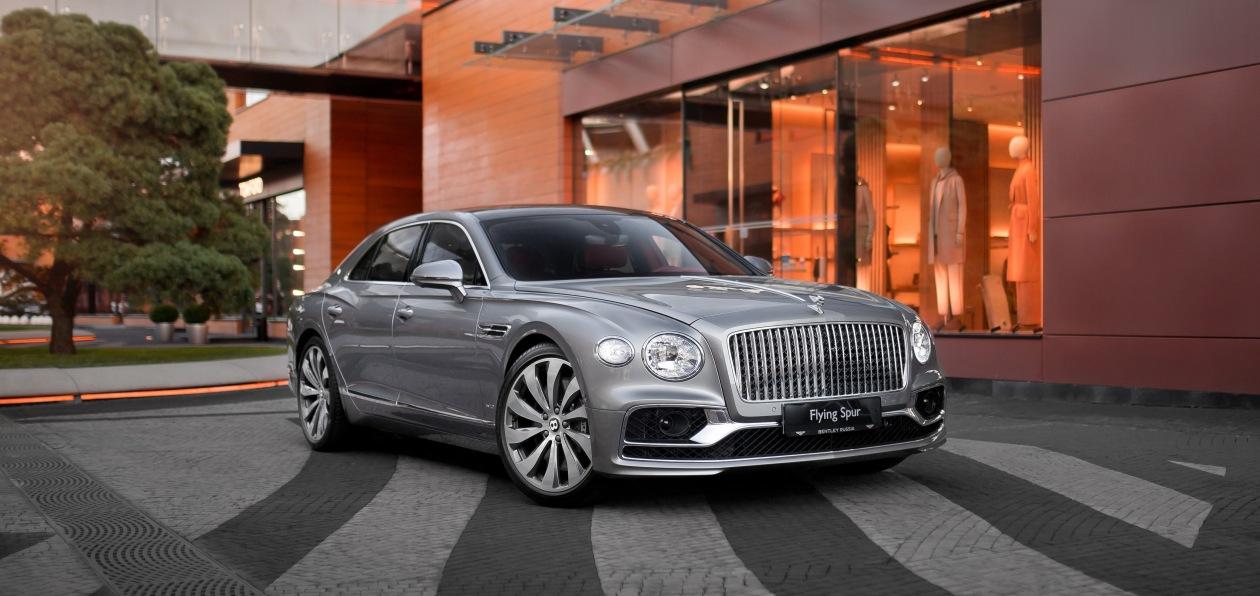 Новый Bentley Flying Spur доехал до российских клиентов