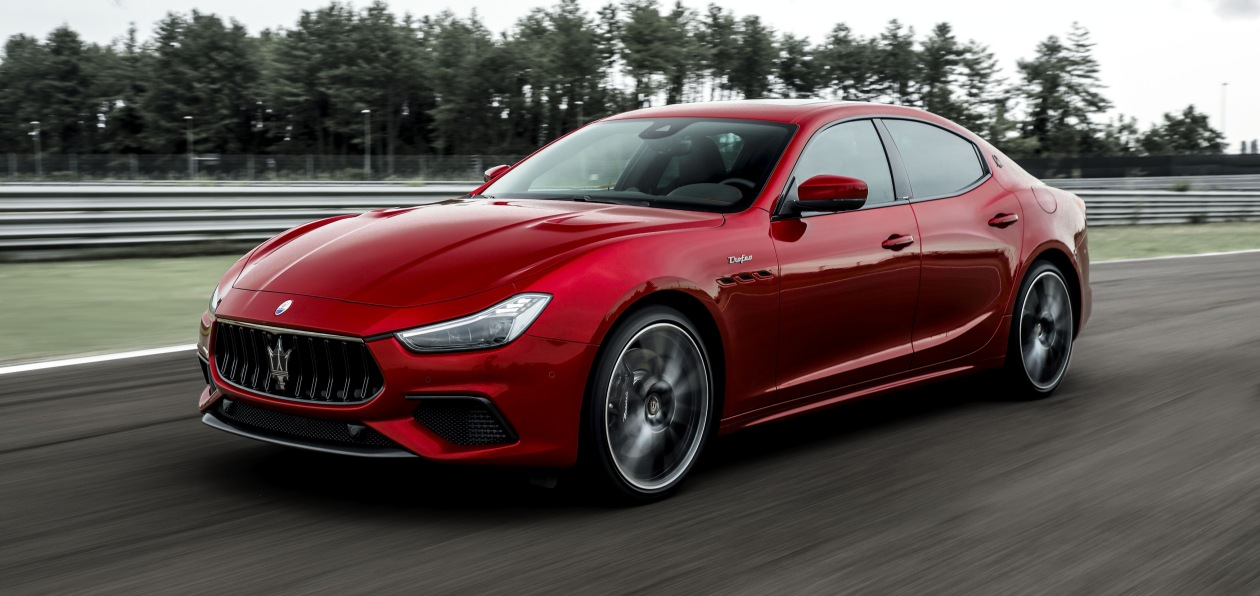 Maserati Ghibli и Quattroporte получили топ-версию Trofeo