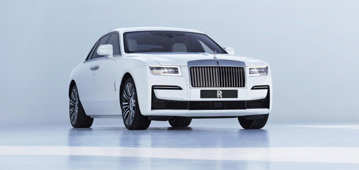 Rolls-Royce Ghost «доедет» до России в середине осени 2020 года