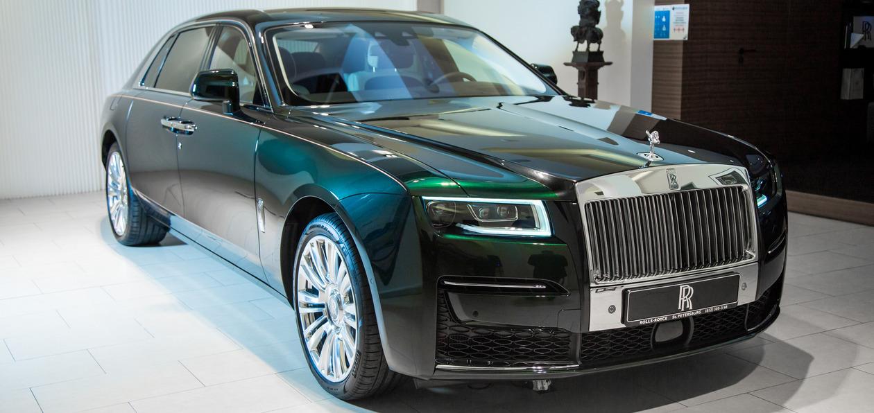 В Петербурге представили новый Rolls-Royce Ghost: 100 кг шумоизоляции, парящая подвеска и шепот «Призрака»