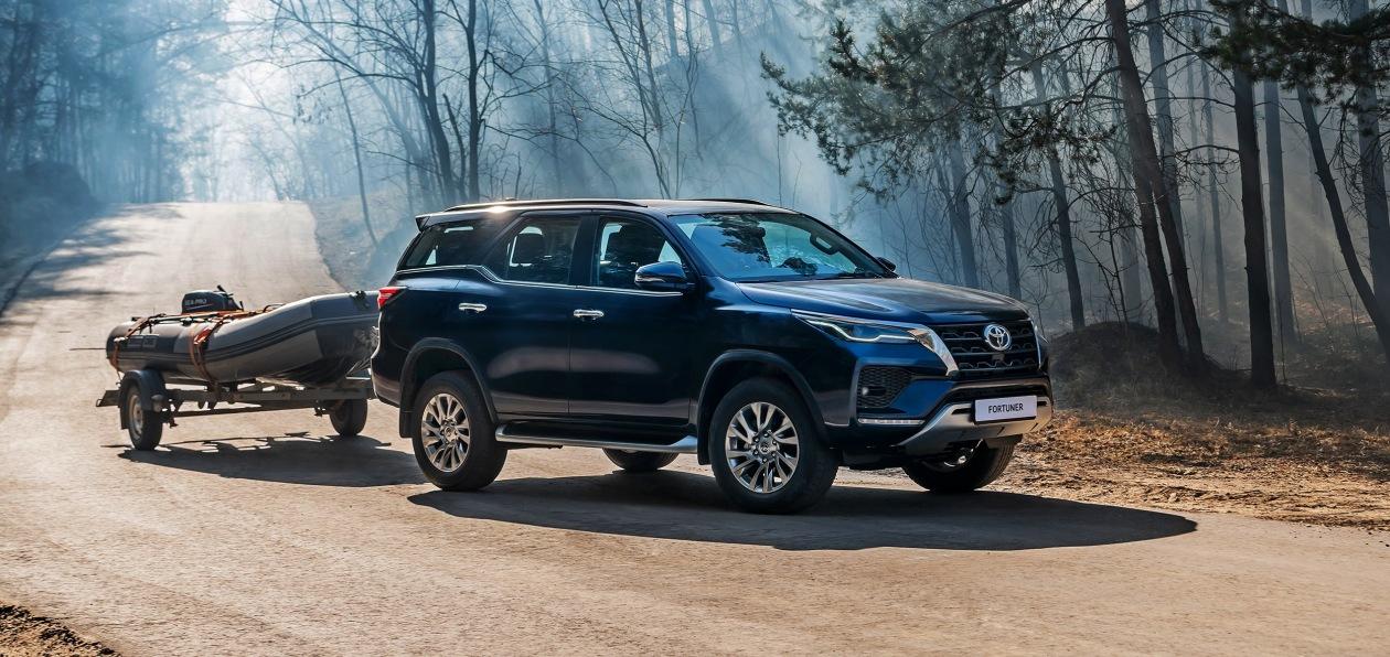 Обновленный Toyota Fortuner с новым дизелем «доехал» до России