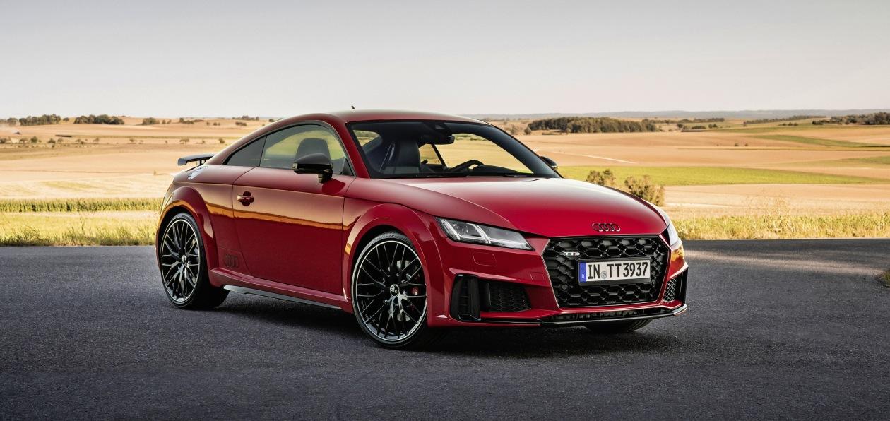 Купе и родстер Audi TT получат спортивный стайлинг-пакет и новую линию оснащения