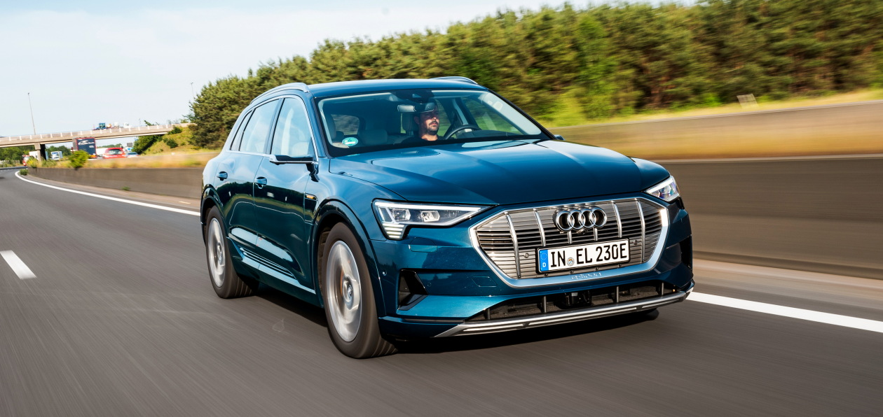 Audi e-tron получил новую систему зарядки