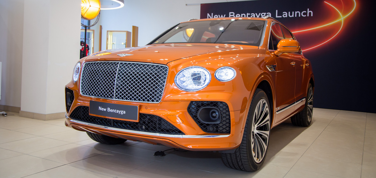 В Петербург прибыл обновленный Bentley Bentayga 2020
