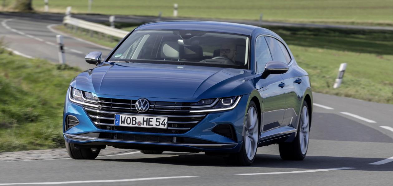 Volkswagen Arteon стал подключаемым гибридом