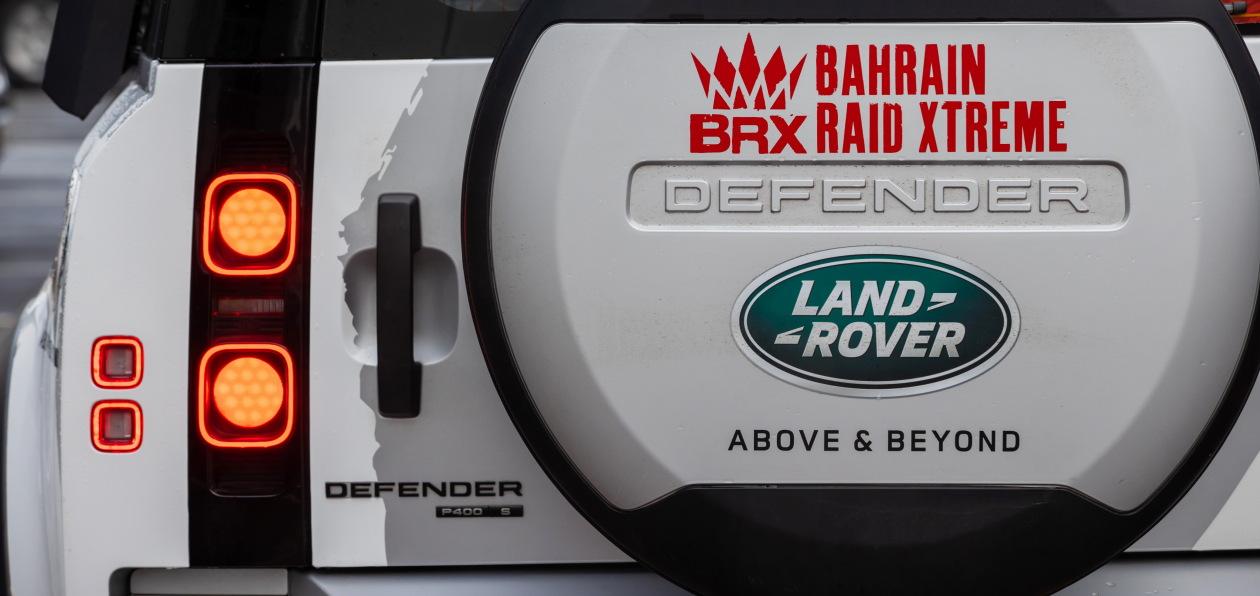 Новый Land Rover Defender выступит на «Дакаре» в роли «технички»