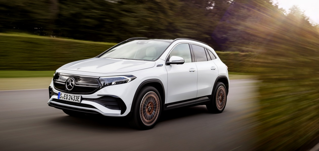 Mercedes «оценил» в евро новый EQA