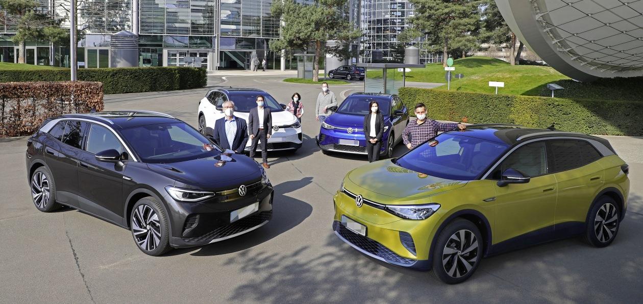 Volkswagen передал покупателям первые электрокроссоверы ID.4