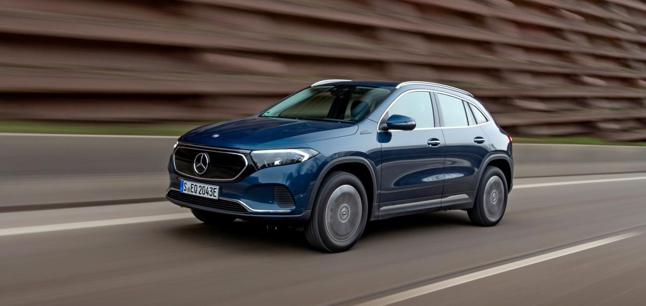 Mercedes расширил гамму модификаций нового EQA