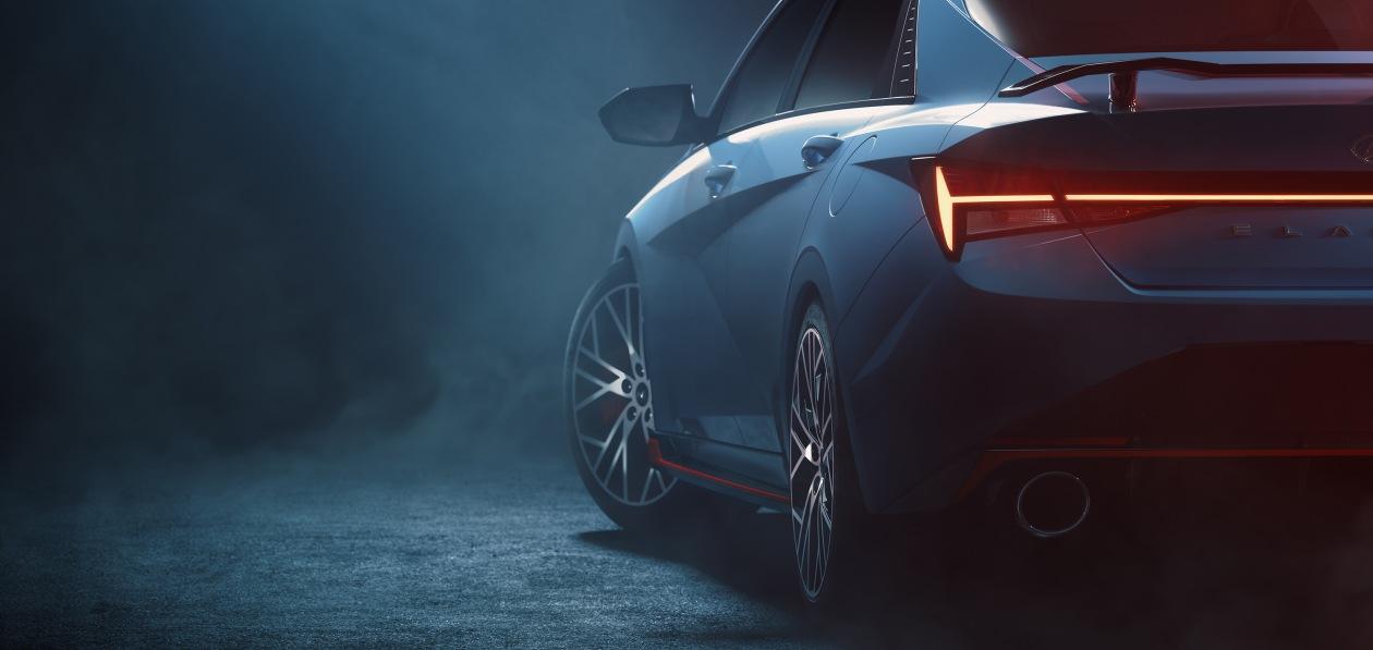Hyundai выложил первые тизеры новой Elantra N