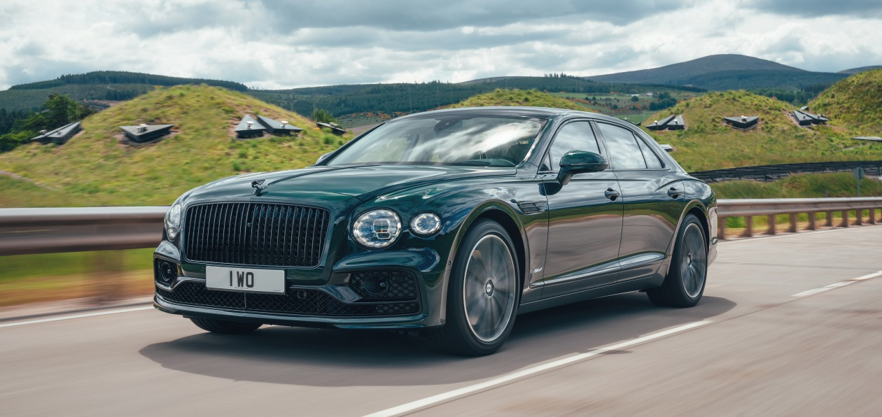 Bentley показал новый Flying Spur Hybrid