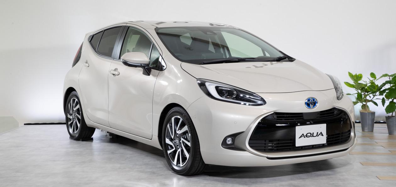 Toyota представила новую Aqua