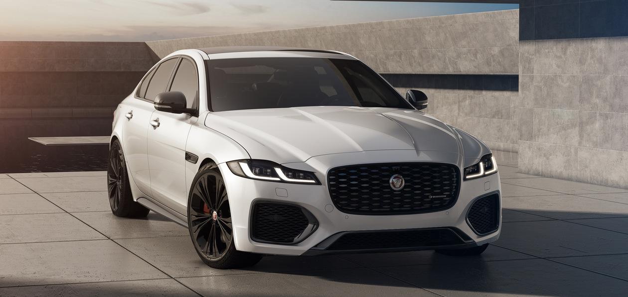 Jaguar представил «черные» версии XF и XE