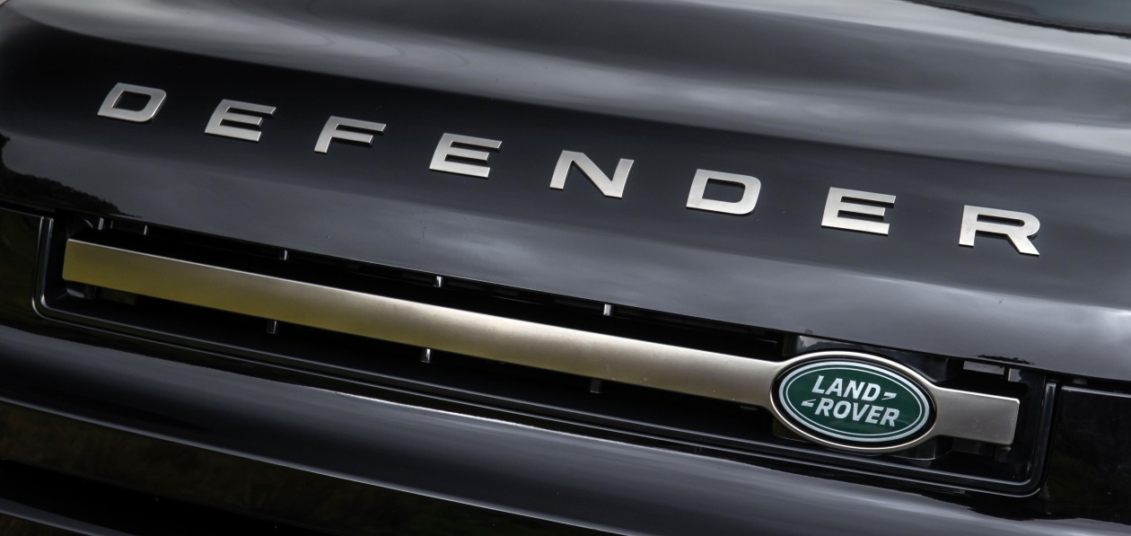 Удлиненный Land Rover Defender 130 заметили в Германии
