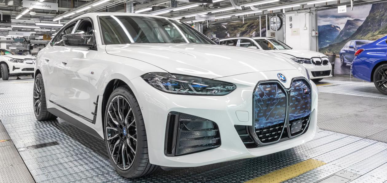 Новый BMW i4 встал на конвейер в Мюнхене