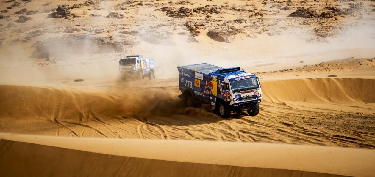 «Дакар 2021»: три «КАМАЗа» лидируют после марафонского этапа