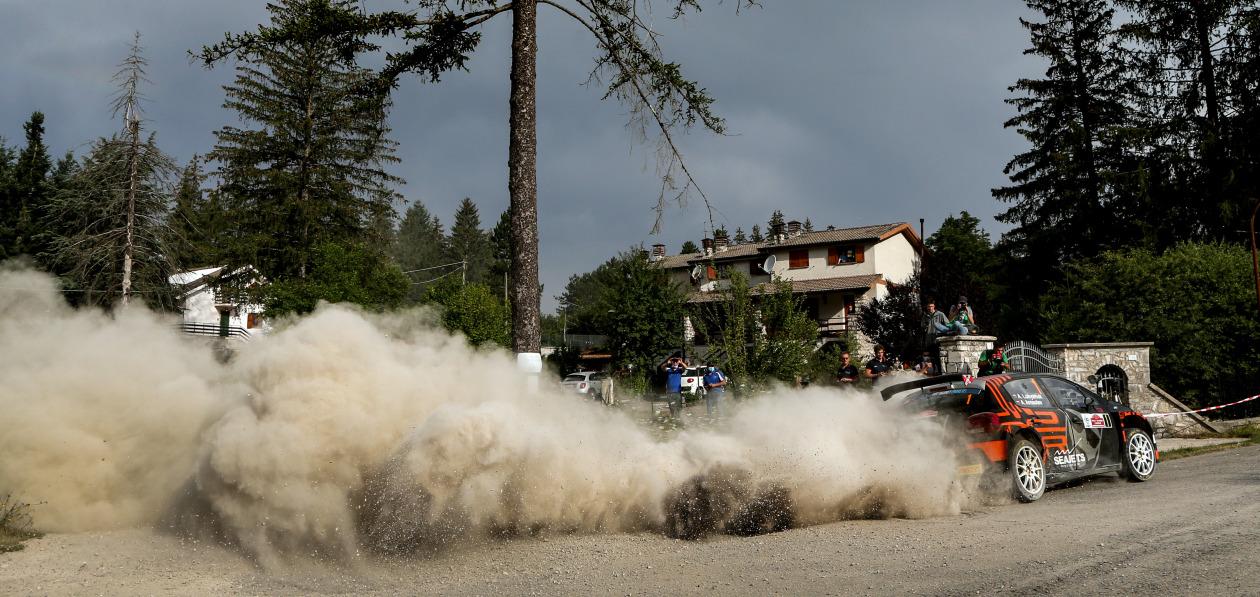Лукьянюк сошел на этапе FIA ERC в Риме после столкновения с деревом