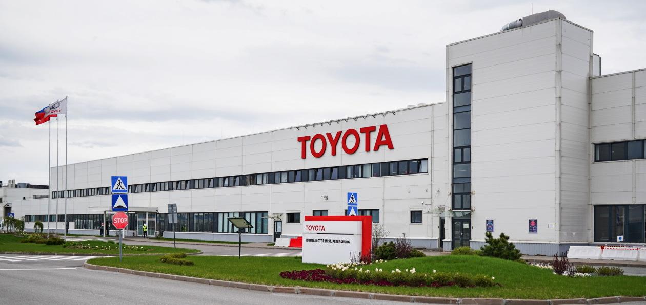 Toyota выпустила на петербургском заводе 20 тысяч масок и пластиковых щитков