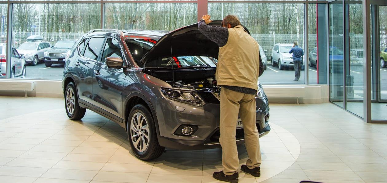 В мае петербуржцы купили в 2,5 раза меньше новых авто, чем годом ранее