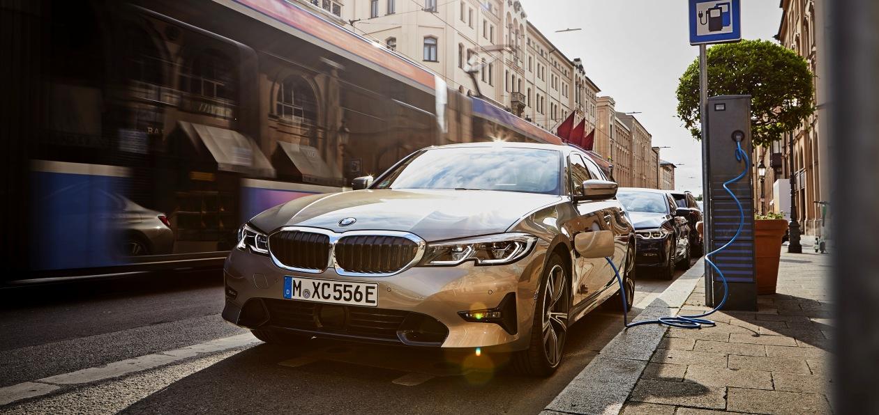BMW фиксирует рост продаж электрифицированных моделей
