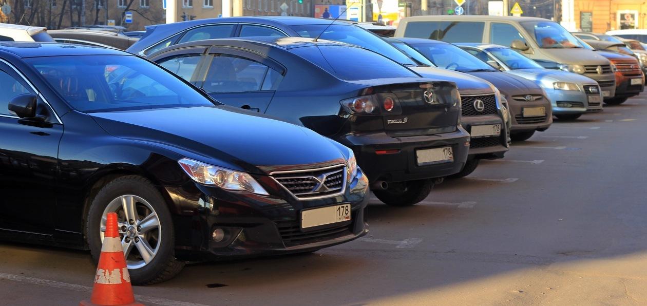 Названы автомобили, наиболее часто угоняемые в России для переправки за рубеж