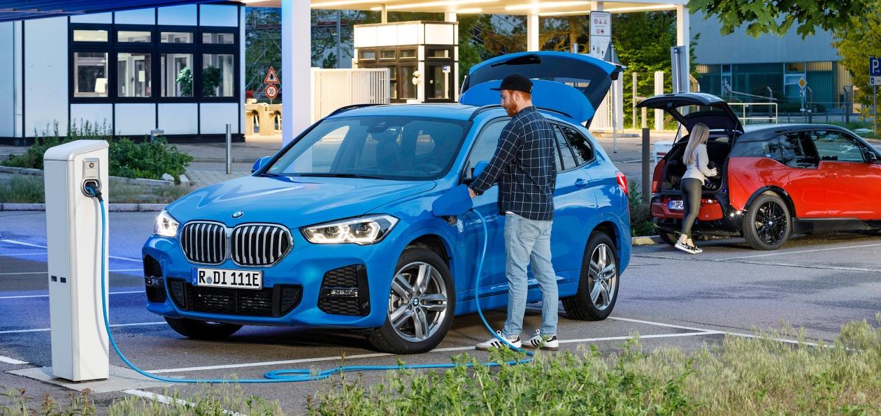 BMW перепрофилирует завод в Регенсбурге