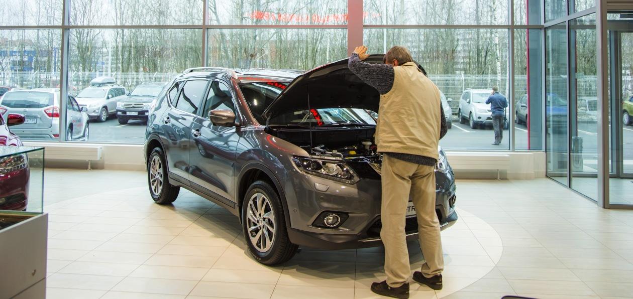 Продажи новых автомобилей в Петербурге продолжают расти