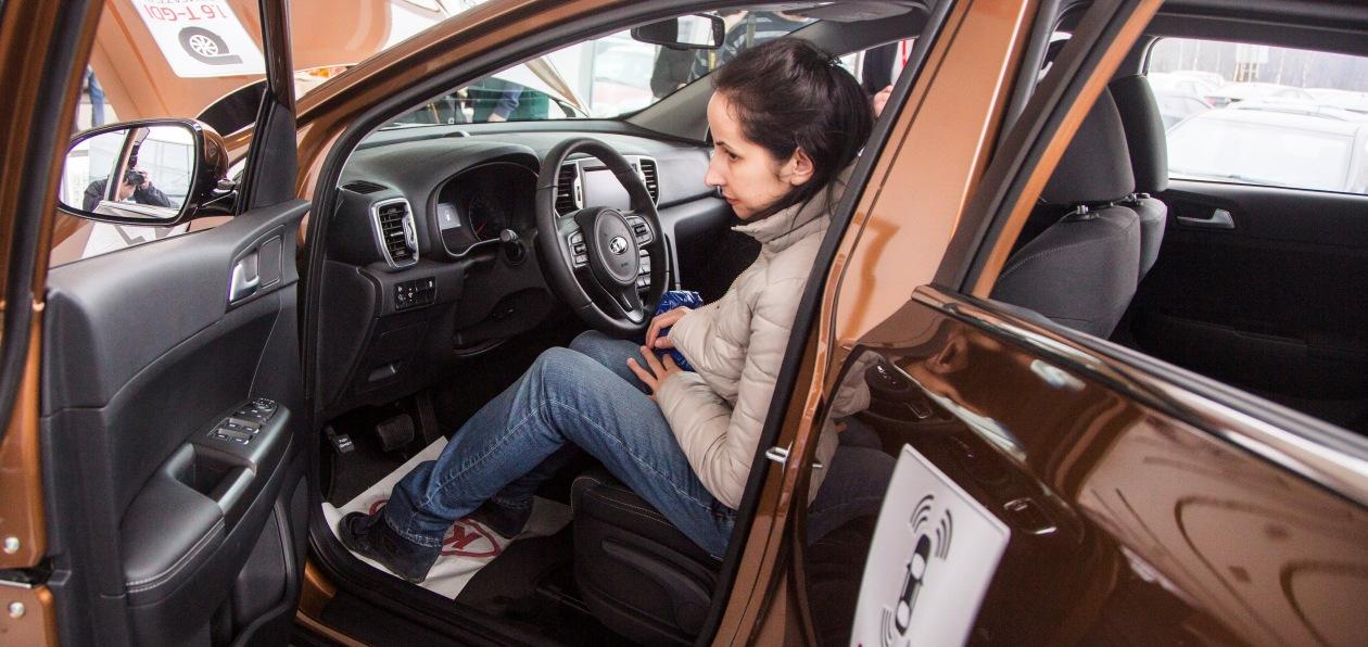 Петербуржцы раскупают новые машины пять месяцев подряд
