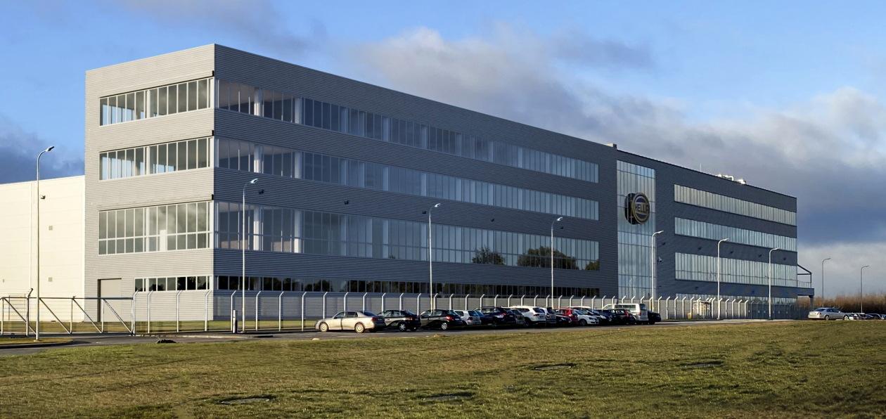 Hella расширит мощности завода в Литве
