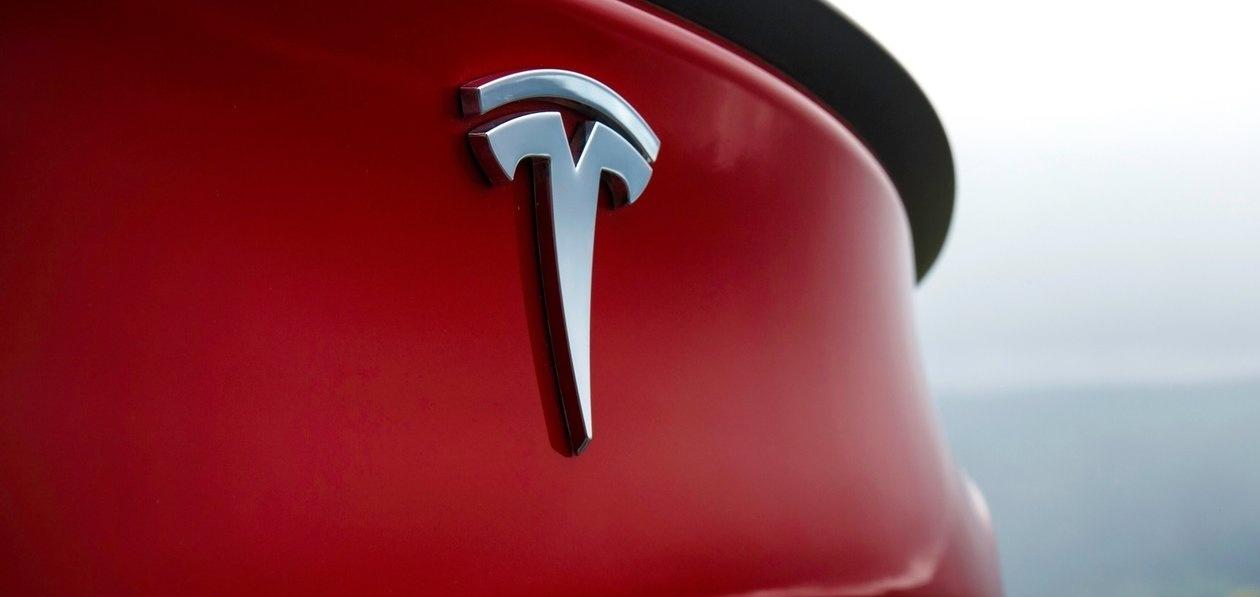 Электромобили Tesla можно купить за «Биткоины»