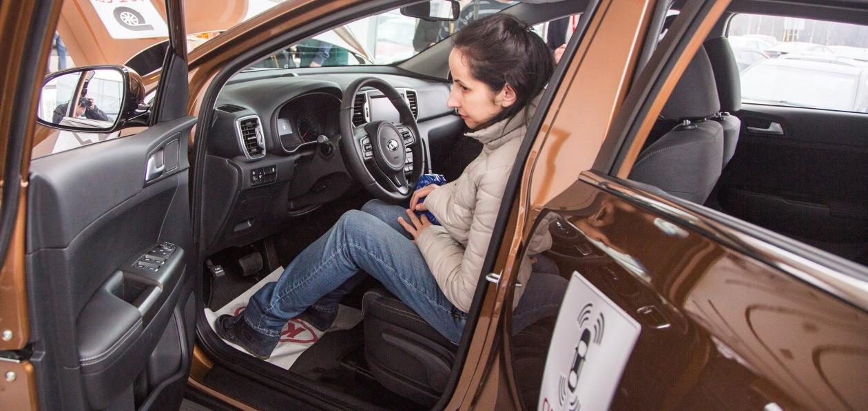 Петербуржцы стали менее активно раскупать новые автомобили