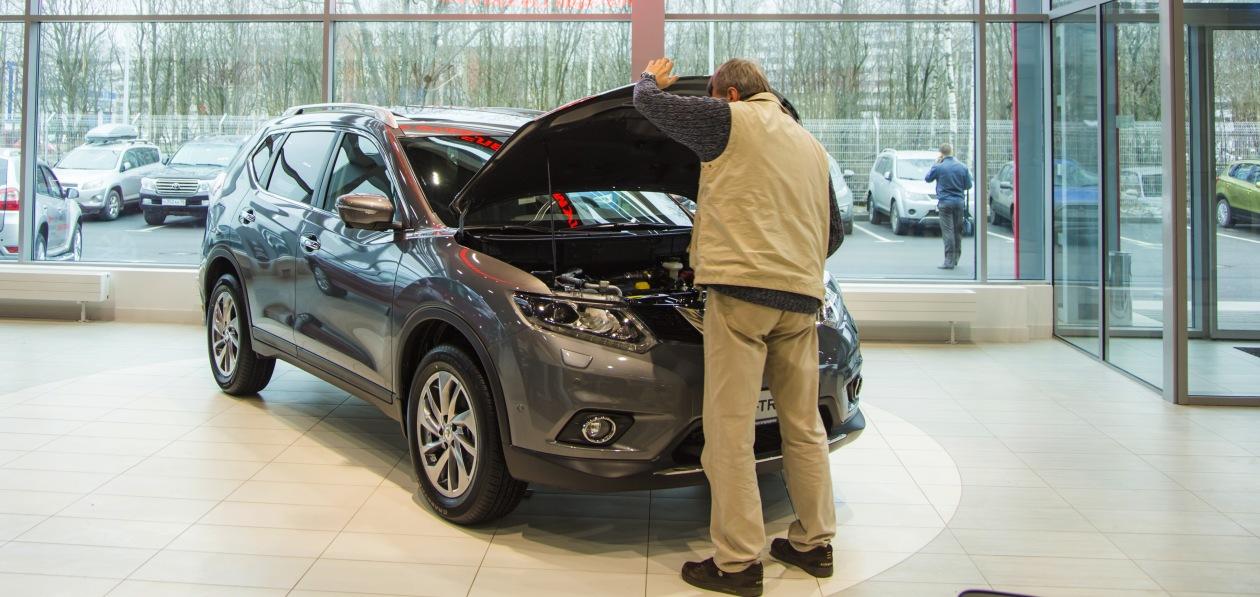 Продажи новых авто в России выросли в первом полугодии более чем на треть