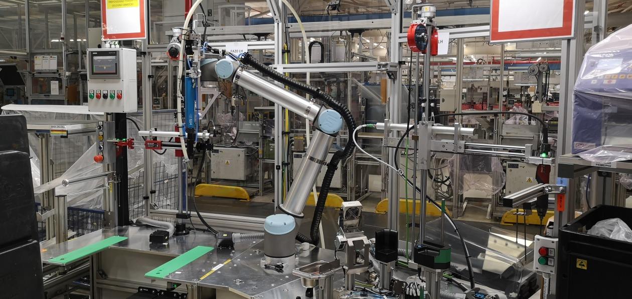 Hellа удвоит использование коботов на производстве к 2023 году