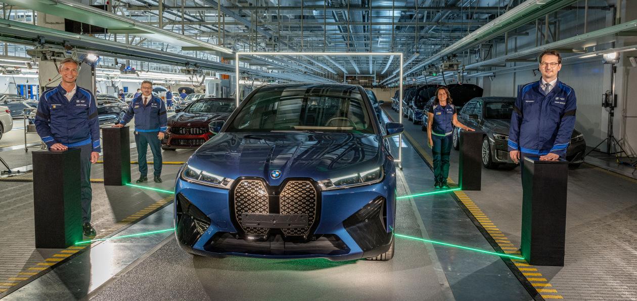 BMW и Mercedes-Benz будут искусственно создавать дефицит машин ради высокой цены