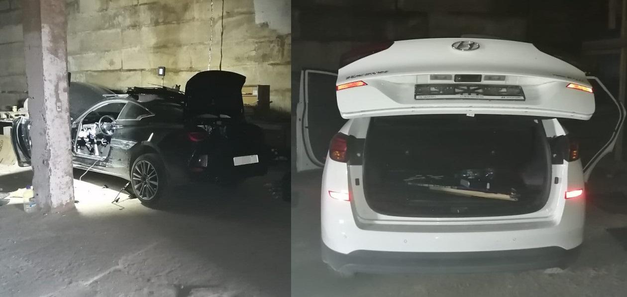 В деревне в Ленобласти нашли три угнанных автомобиля