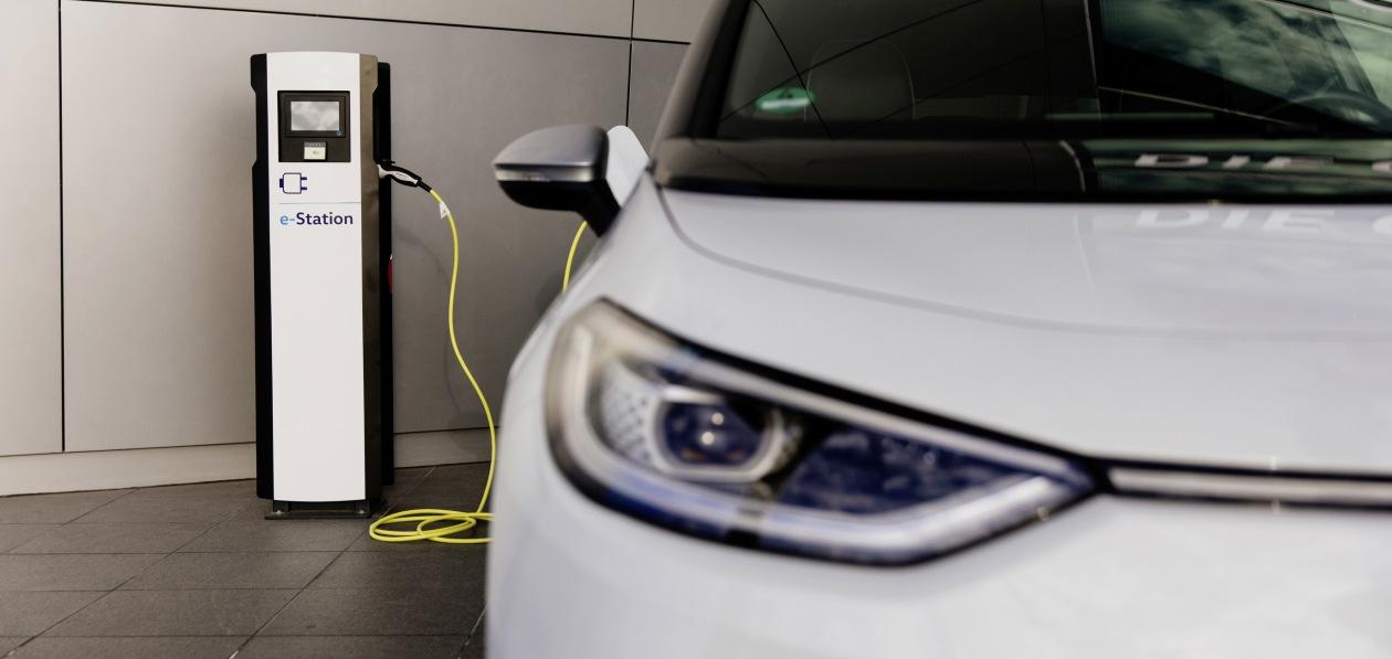 Из-за роста числа электромобилей к 2050 году мировая нефтеперерабатывающая отрасль может сократиться вдвое