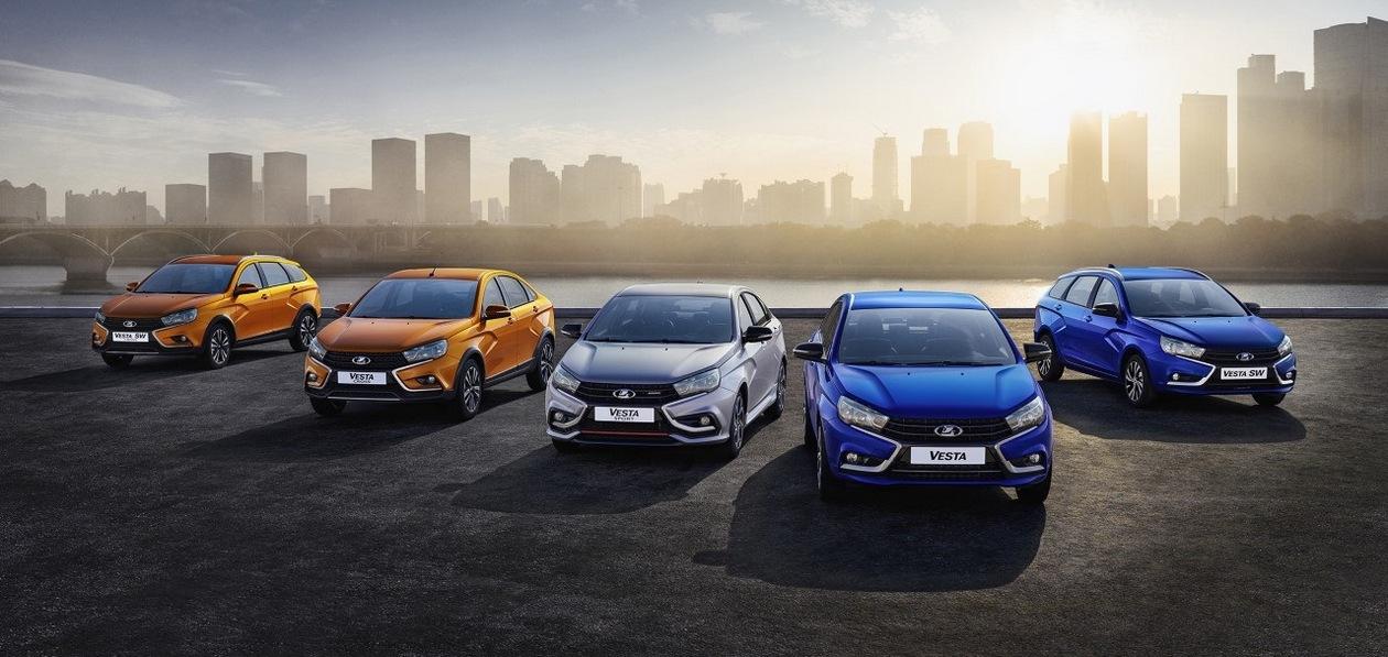 Продажи Lada упали на треть из-за мирового дефицита полупроводников