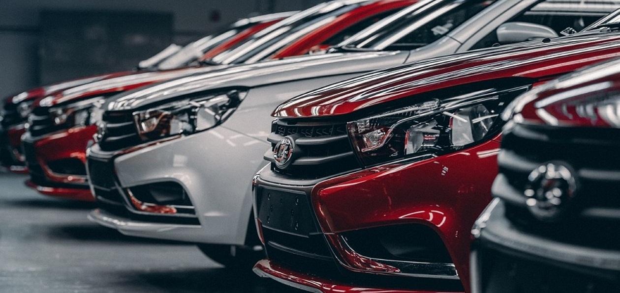 Девять ведущих автокомпаний подняли цены на автомобили с 1 сентября