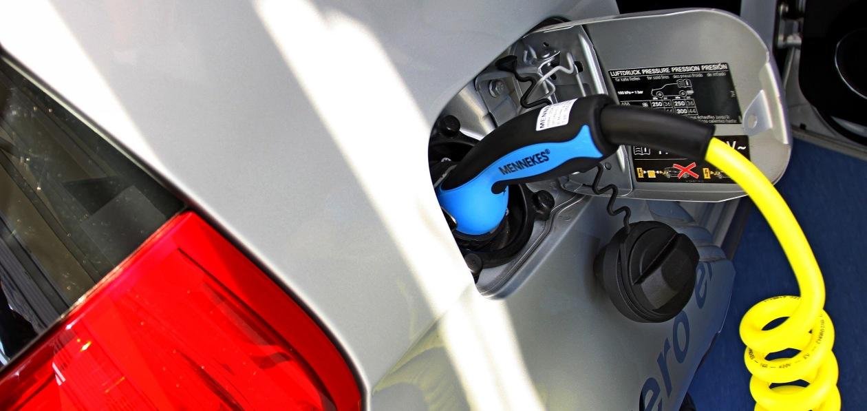 Большинство россиян не хотят покупать отечественный электромобиль даже с учетом скидки от Минпромторга
