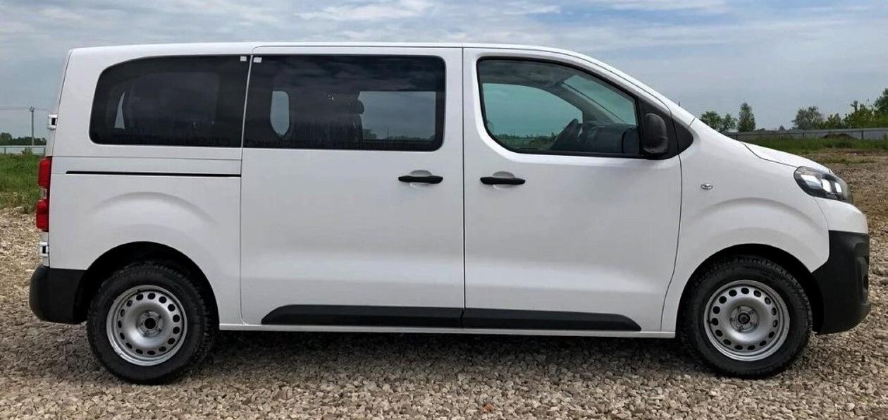 PSA Group представила пассажирскую версию новых Peugeot Expert и Citroen Jumpy